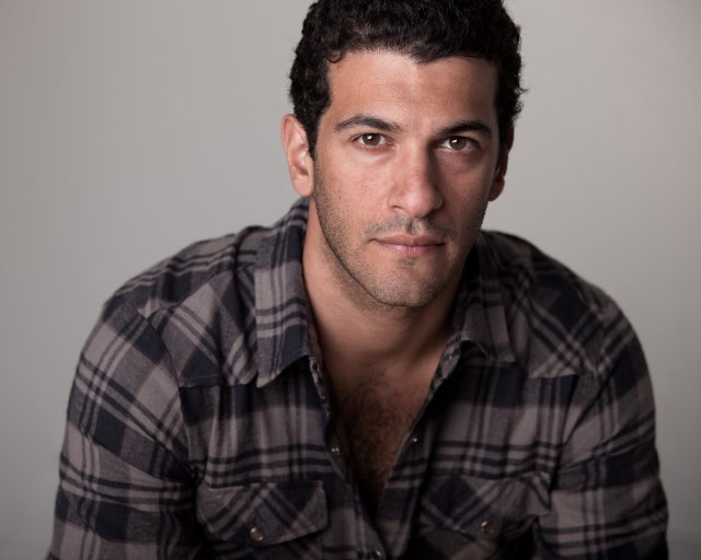 Casting saison 2 : Simon Kassianides sera Bakshi